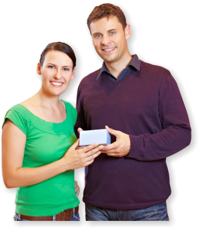 couple customers holding a box medicine